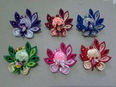 Diy Ribbon, Ribbon Art, Diy Lace Ribbon Flowers, Kanzashi Flowers, Cloth Flowers, Fabric Flowers, Ribbon Crafts, Silk Flowers, Flower Crafts