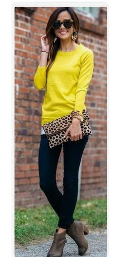 Bright sweater and print purse are a great combo. Want a personal stylist? Stitch Fix is the best online service I've used & I know you'll love it too! Try it out: https://www.stitchfix.com/referral/4752668