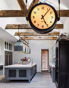 Diane Keaton custom-designed this industrial-style, open-concept home herself. Keaton's dream home was also influenced by New York's San Remo building, Architectural Digest, Industrial House, Modern Industrial, Industrial Furniture, Vintage Industrial, Industrial Lamps, Pipe Furniture, Furniture Vintage, Furniture Design
