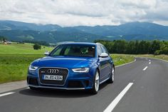 Tracktest Audi RS4 Avant: http://www.neuwagen.de/fahrberichte/3605-audi-rs4-avant--kombiflitzer.html