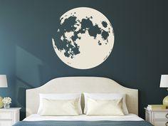 Finden Sie bei uns den einzigartigen Wandtattoo Vollmond. Für alle Mondliebhaber ist dieses originelle Motiv eine ganz besondere Idee zur Wandgestaltung.