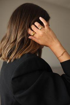Lob Hairstyle, Hairstyles With Bangs, Short Hair With Bangs, Short Hair Styles, Thick Hair, Uk Fashion, Lifestyle Blog, Bad Hair, Great Hair