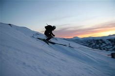 I've skiied many places, but I've never skiied when there's still light at midnight. Midnight sun skiing, by: Sven Andersson. Midnight Sun, Outdoor Activities, Stockholm, Sweden, Mount Everest, Skiing, Spaces, Tags, Amazing