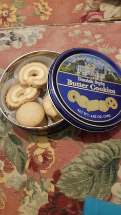 Last time I buy a sewing kit from the dollar store! http://ift.tt/2f0MPx9 #lol #funny #rofl #memes #lmao #hilarious #cute