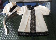 Puppenkleidung-Puppenkleid-Kleid-Muetze-beige-Schildkroetpuppe-60-Porzellanpuppen