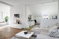 50 metros que te van a camelar Studio Decor, Living Room Decor, Living Spaces, Decoration Gris, Gravity Home, Scandinavian Interior Design, Scandinavian Loft, Design Interior, Studio Apartment Decorating