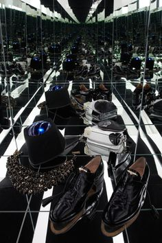 Bally Womens Shoe - Infinity Mirror Box  Photography by  Tom Hartford   Styling by  Miriam Dembach