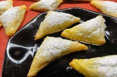 Jak upéct šátečky z tvarohového těsta | recept bez cukru Cheese, Ethnic Recipes, Food, Treats, Sweet, Sweet Like Candy, Candy, Goodies, Essen