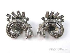 Vintage Early Crown TRIFARI Clear Rhinestone Clip On Earrings Silver Tone