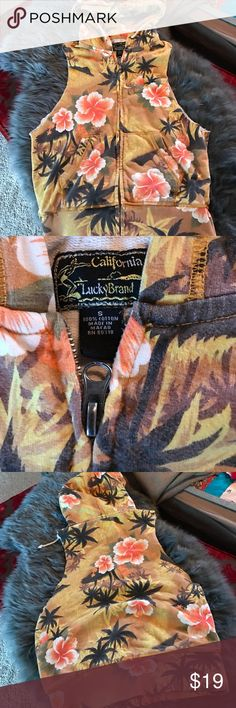 Vintage Cali Lucky Brand Cut off Hoodie No stains. No damage. Comfortable. Size small, fits like a small. ✨💥⚡️ California print. Lucky Brand Tops Sweatshirts & Hoodies