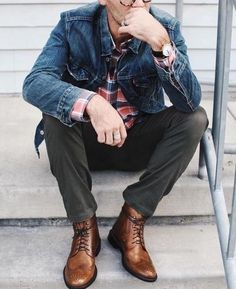 Mens Fashion Rugged – The World of Mens Fashion Brown Boots Outfit, Green Pants Outfit, Mens Brown Boots, Stylish Men, Men Casual, Dapper Men, Denim Jacket Men, Mens Clothing Styles, Mens Fashion