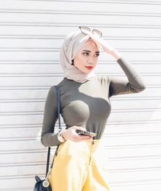 Rima naserYour scarf is the most important part inside apparel of females along with hijab. Arab Girls Hijab, Girl Hijab, Muslim Girls, Beautiful Hijab Girl, Beautiful Muslim Women, Selfies, Hijab Jeans, Muslim Women Fashion, Muslim Beauty
