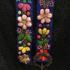 Cinturón Azul peruano bordado en lana de Huancayo - Perú