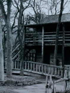 Haunted - Log Cabin Village in Fort Worth, Texas. Visitors hear footsteps in the attic and the scent of lilacs in the air.lots of paranormal activities going on here. Spooky Places, Haunted Places, Abandoned Buildings, Abandoned Places, Old Houses, Haunted Houses, Ghost Hauntings, Ghost Photos, Haunted History