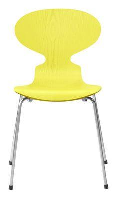 Chaise empilable Fourmi / Frêne teinté