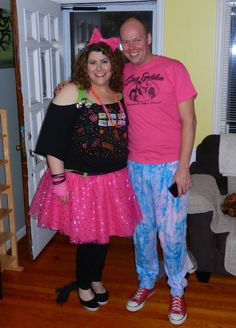 Crafting Diva DIY 80s Costume Edition - DivineMrsDiva.com  sc 1 st  Pinterest & Totally DIY an 80s Costume | Pinterest | Mad Costumes and Craft