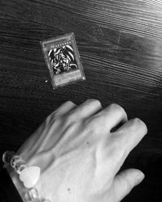Estilo Gangster, Hand Veins, Hands With Rings, Faceless Men, Hot Hands, Hand Pictures, Daddy Aesthetic, Hand Reference, Male Hands