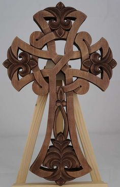 BlessedMart offers Orthodox icons and crosses in old Byzantine, Greek, Russian and Catholic style. Wooden Cross Crafts, Wooden Crosses, Crosses Decor, Simple Wood Carving, Wood Carving Art, Wood Art, Celtic Symbols, Celtic Art, Celtic Crosses