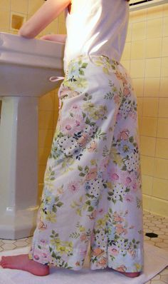 love love love love love- little girl wide-leg pillowcase lounge pants tutorial from jane's apron.