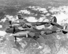 Although the RAF finally recieved only 3 after evaluation tests, they gave it the name 'Lightning' (Lockheed had originally dubbed the aircraft 'Atalanta', but the RAF name won out) Aircraft Photos, Ww2 Aircraft, Military Aircraft, Lockheed P 38 Lightning, Standing In The Rain, War Thunder, Experimental Aircraft, Air And Space Museum, Ww2 Planes