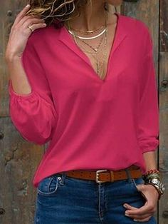 Cute pink blouse and blue jeans Blue Jeans, Jeans Bleu, Blouses Roses, Pink Blouses, Blazer Fashion, Fashion Outfits, Womens Fashion, Fashion Over 50, Fashion 2018