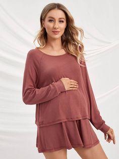 Maternity Raglan Sleeve Solid Top With Flowy Hem Short Pajama Set