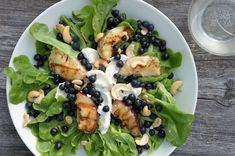 Puistolan bistro: Menu metsän antimista Sprouts, Menu, Chicken, Vegetables, Food, Menu Board Design, Vegetable Recipes, Eten, Veggie Food