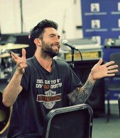 The lord took his time w/ this man 😭🙏 Adam Levine Style, Imaginary Boyfriend, Maroon 5, Cool Bands, Bad Boys, Sexy Men, Mens Tops, 4 Life, Messi