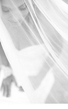 Gorgeous photo of veil | Photographer: Carmen & Ingo Photography