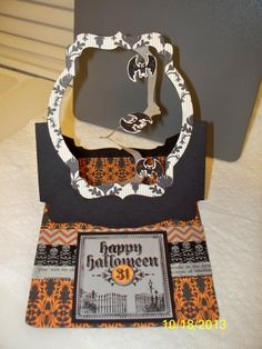 D. Daisy made a version of the Spiral Easel Card using Stampin' Up! Pop 'n Cuts Halloween