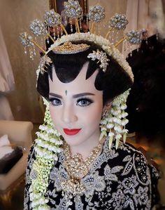 Wedding Planner Outfit Beautiful New Ideas Foto Wedding, Dream Wedding, Javanese Wedding, India Wedding, Wedding Gifts For Bridesmaids, Wedding Looks, Traditional Wedding, Trendy Wedding, Beautiful Bride