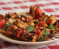 Cantinho Vegetariano: Espetinhos de Tofu ao Molho de Amendoim (vegana)