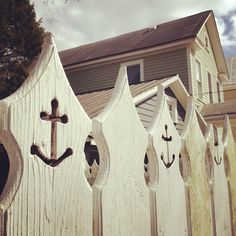 White picket anchors