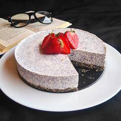 Tvarohovo makový napečený cheesecake - Fitness recepty - Zdravé recepty, vaření, pečení, online kuchařka Whole Food Recipes, Cake Recipes, Dessert Recipes, Cooking Recipes, Healthy Recipes, Desserts, Apple Health, Gluten Free Cakes, No Bake Cake
