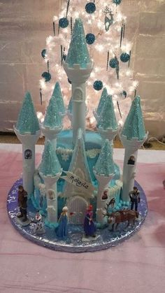 Nicole G's Birthday / Disney Frozen - Photo Gallery at Catch My Party Disney Frozen Party, Frozen Birthday Party, 6th Birthday Parties, Birthday Cake, Birthday Ideas, Torte Frozen, Frozen Castle Cake, Elsa Castle, Party Themes