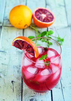 Mocktail froid Mélisse & Menthe  orange sanguine, citron et sirop d'agave, fameux cocktail sans alcool !