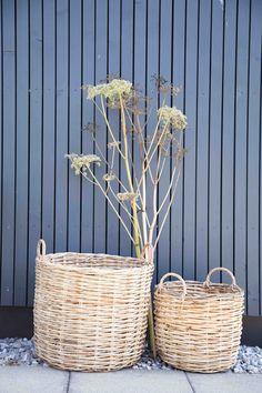 Weidenkörbe in verschiedenen Größen Wicker Baskets, Inspiration, Trends, Ideas, Home Decor, Basket, Random Stuff, Biblical Inspiration, Decoration Home