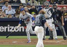 【MLB】パドレス戦の四回、キャッシュナーからメジャー初本塁打を放つドジャースの前田健太投手=6日、サンディエゴ(共同)