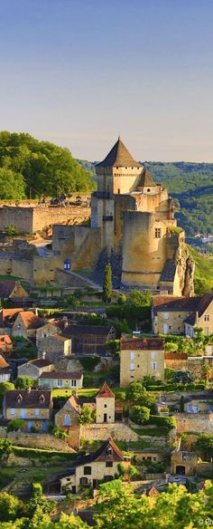 Castelnaud-la-Chapelle, en Dordogne, France. The earliest mention is in 13th century, when it figured in the Albigensian Crusade; its Cathar castellan was Bernard de Casnac. Simon de Montfort took the castle and installed a garrison; when it was retaken by Bernard, he hanged them all. During the Hundred Years' War, the castellans of Castelnaud owed their allegiance to the English Plantagenets, the castle of sieurs de Beynac across the river, to the king of France.