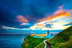 Beautiful coastal #Lighthouse pic http://dennisharper.lnf.com/