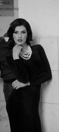 Stunning young Romanian Model Bianca Goga - classic beauty