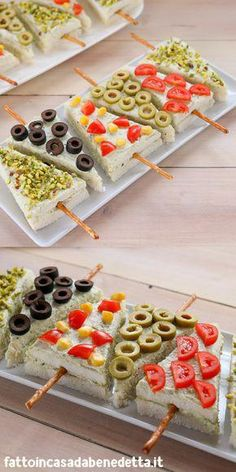 Everyday Food Christmas Appetizers Appetizers For Party Party Snacks Appetizer Recipes Xmas Food Christmas Cooking Tea Sandwiches Food Decoration Quick Easy Meals, Easy Dinner Recipes, Appetizer Recipes, Dessert Recipes, Easy Recipes, Fun Desserts, Holiday Recipes, Appetizers Kids, Individual Desserts