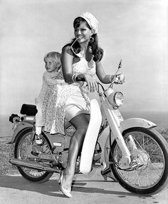 Claudia Cardinale posing on a motor bike Honda with her son Patrizio Claudia Cardinale, Honda Cub, E Biker, Biker Girl, Biker Chic, Lady Biker, Biker Style, Natalie Wood, Hollywood Actresses
