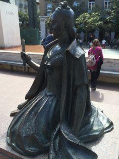 Fuente de Goya en Plaza del Pilar