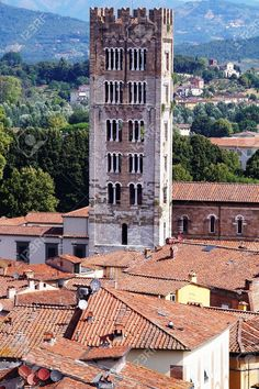 http://it.123rf.com/photo_52565195_aerial-view-from-the-clock-tower-of-lucca-tuscany-italy.html