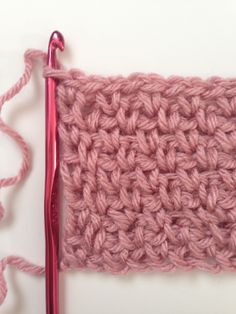 Play With Texture: How to Crochet the Granite Stitch ༺✿ƬⱤღ https://www.pinterest.com/teretegui/✿༻
