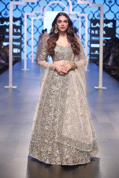 Bridal fashion week 2018 indian 55 ideas for 2019 India Fashion Week, Fashion Week 2018, Lakme Fashion Week, Bridal Fashion Week, Fashion Show, Women's Fashion, Saree Fashion, Modern Fashion, High Fashion