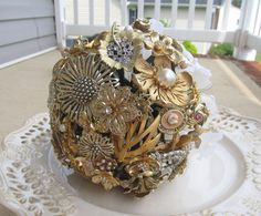 Blessing Bouquet  Gold  Vintage Brooch Bridal von SilverFrostings, $399,00