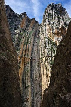 Caminito Del Rey: Spain's Most Dangerous Hike Spain And Portugal, Most Beautiful Cities, Spain Travel, Amazing Destinations, Hiking Trails, Adventure Travel, The Good Place, Nature Photography, Places To Visit