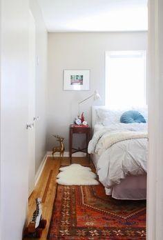 Light grey walls, kilim